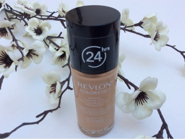 Revlon ColorStay™ Foundation for Combination/Oily Skin | Review