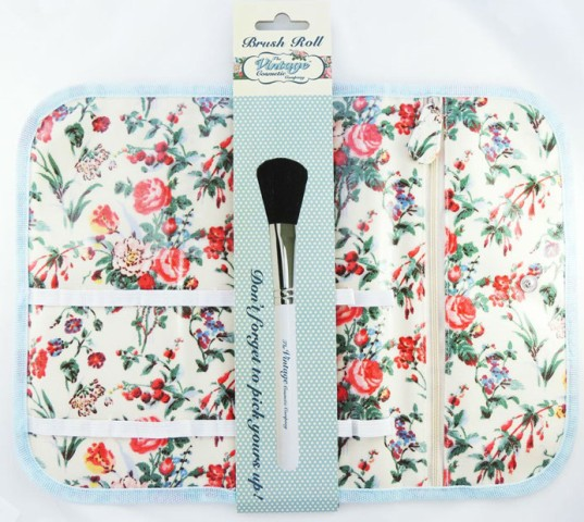 GlitZeeGlam | The Vintage Cosmetic Company Floral Brush Roll | Review