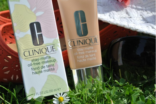 Clinique Stay-Matte Oil-Free Make-Up | 15 Beige | Review