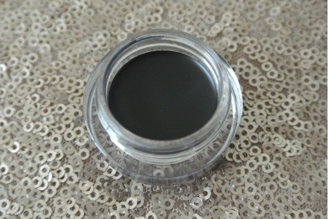 Rimmel Scandaleyes Waterproof Gel Liner | Review