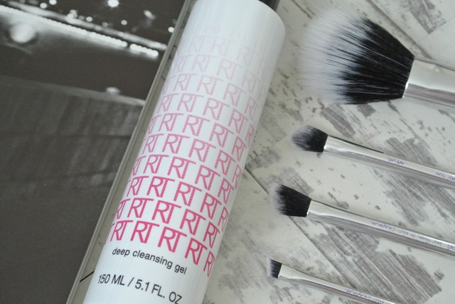 Real Techniques Deep Cleansing Gel Review